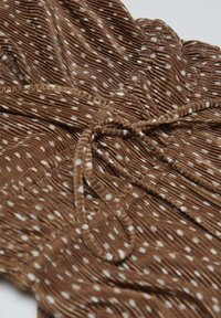 PULL&BEAR - MIT GUMMIZUG AN DER TAILLE - Combinaison - brown - 4