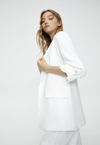 PULL&BEAR - Short coat - white - 3
