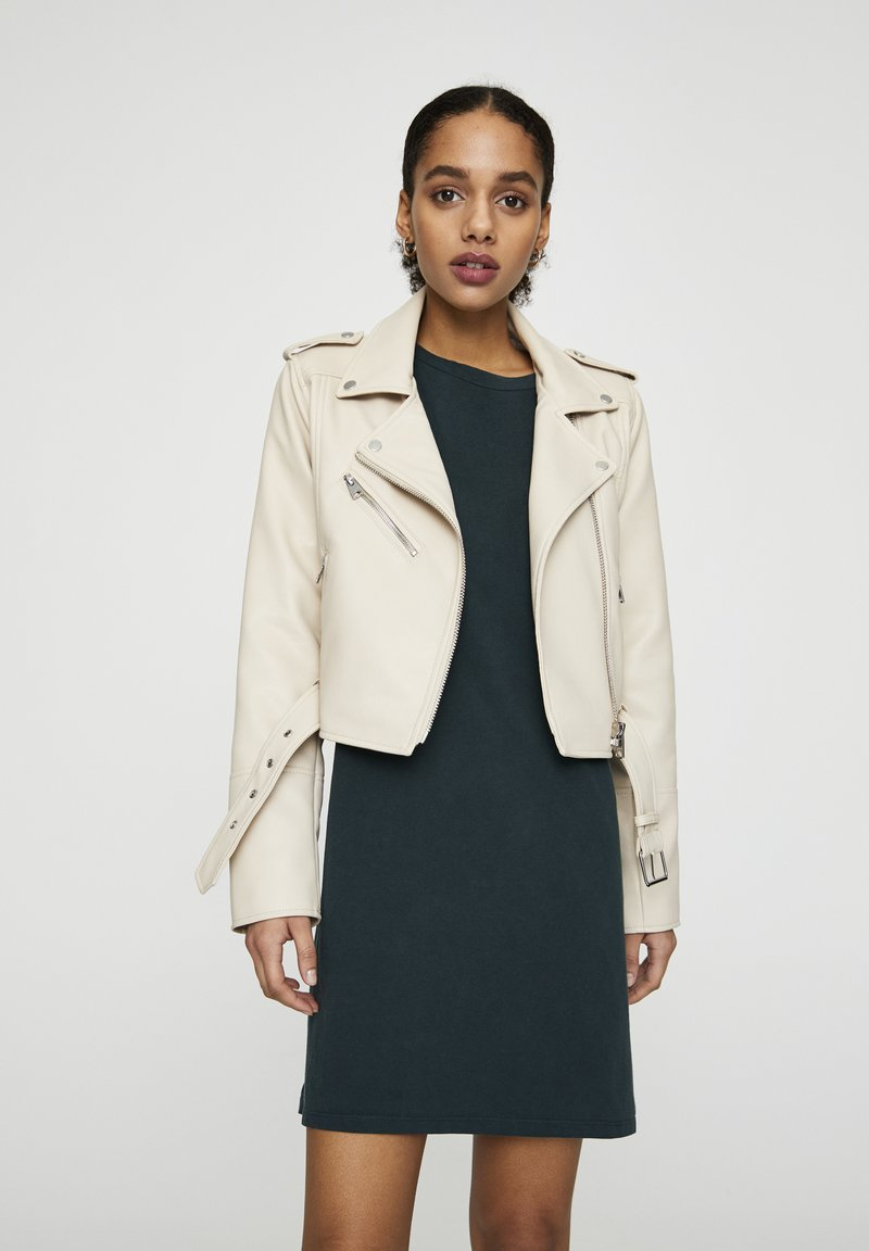 PULL&BEAR - Giacca in similpelle - beige