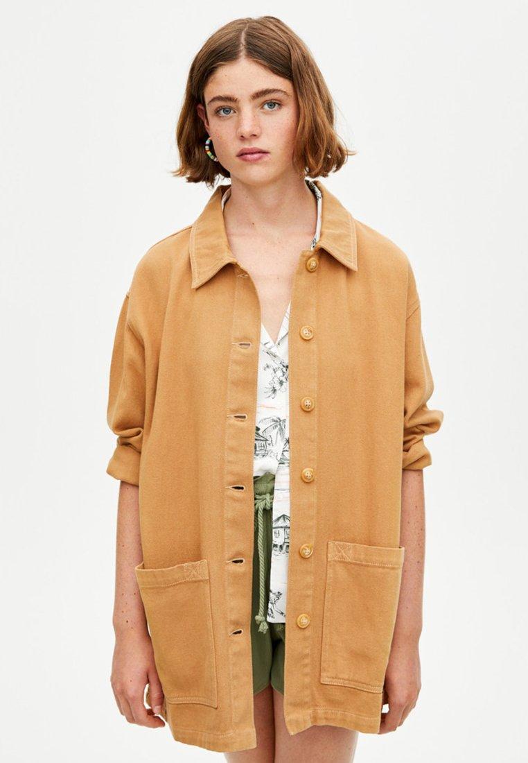 PULL&BEAR - Denim jacket - camel