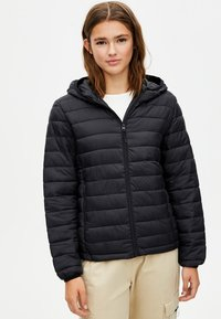 PULL&BEAR - BASIC-STEPPJACKE AUS NYLON 09714333 - Winter jacket - black - 0