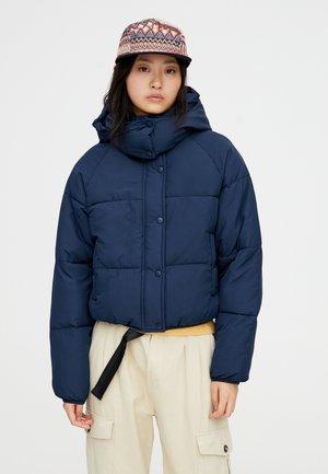 MIT KAPUZE IN VERSCHIEDENEN FARBEN - Winter jacket - dark blue