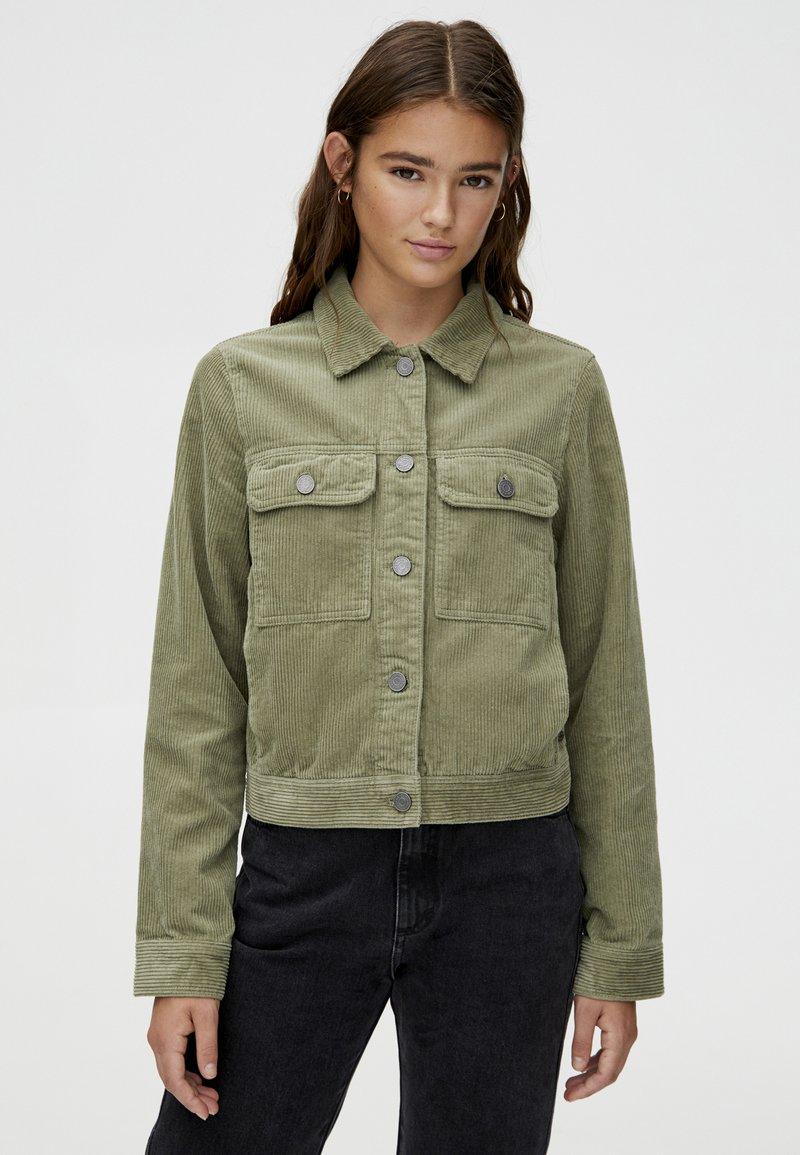 PULL&BEAR - Leichte Jacke - khaki