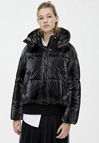 PULL&BEAR - MIT GLITZER - Zimní bunda - black - 0