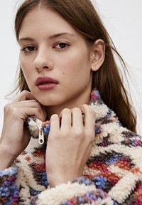 PULL&BEAR - Winter jacket - mottled beige - 4