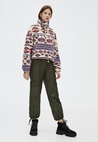 PULL&BEAR - Zimní bunda - mottled beige - 1