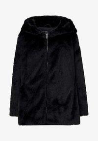 PULL&BEAR - MANTEL AUS KUNSTFELL MIT KAPUZE 05750201 - Płaszcz zimowy - black - 6