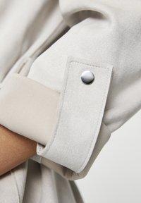 PULL&BEAR - Halflange jas - beige - 5