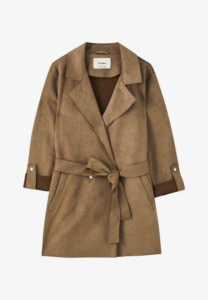 MIT GÜRTEL - Short coat - dark green