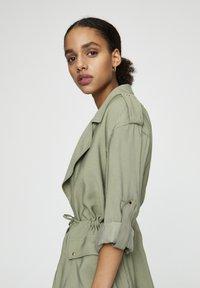 PULL&BEAR - Halflange jas - dark green - 4