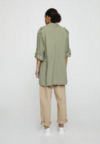 PULL&BEAR - Halflange jas - dark green - 2