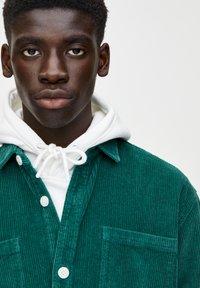 PULL&BEAR - Overhemd - dark green - 4