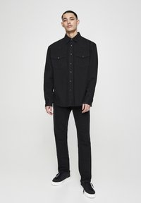 PULL&BEAR - IM COWBOYLOOK - Chemise - black denim - 1
