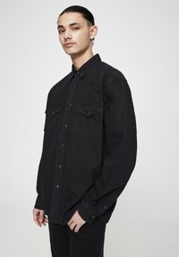 PULL&BEAR - IM COWBOYLOOK - Chemise - black denim - 3