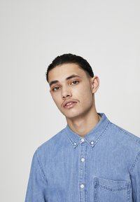 PULL&BEAR - BASIC - Chemise - blue denim - 4