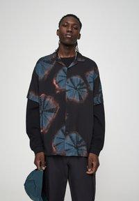 PULL&BEAR - Koszula - black - 0