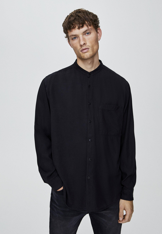 PULL&BEAR HEMD MIT MAOKRAGEN UND TASCHE 05474506 - Koszula - black