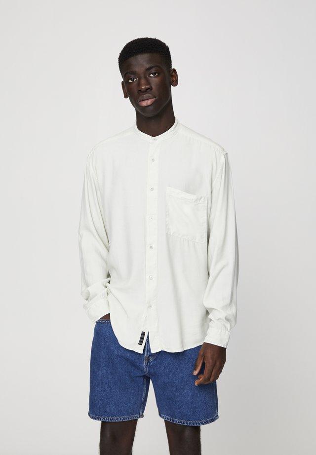 MIT MAOKRAGEN - Camicia - white