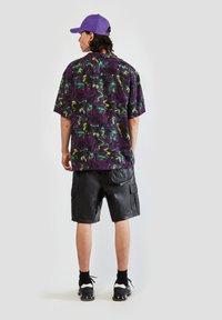 PULL&BEAR - Camicia - mottled purple - 2