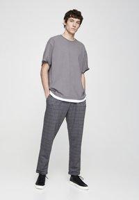 PULL&BEAR - Kalhoty - grey denim - 1