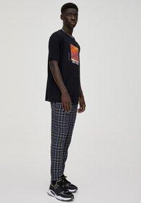 PULL&BEAR - Pantalon classique - light grey - 3