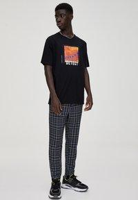 PULL&BEAR - Pantalon classique - light grey - 1