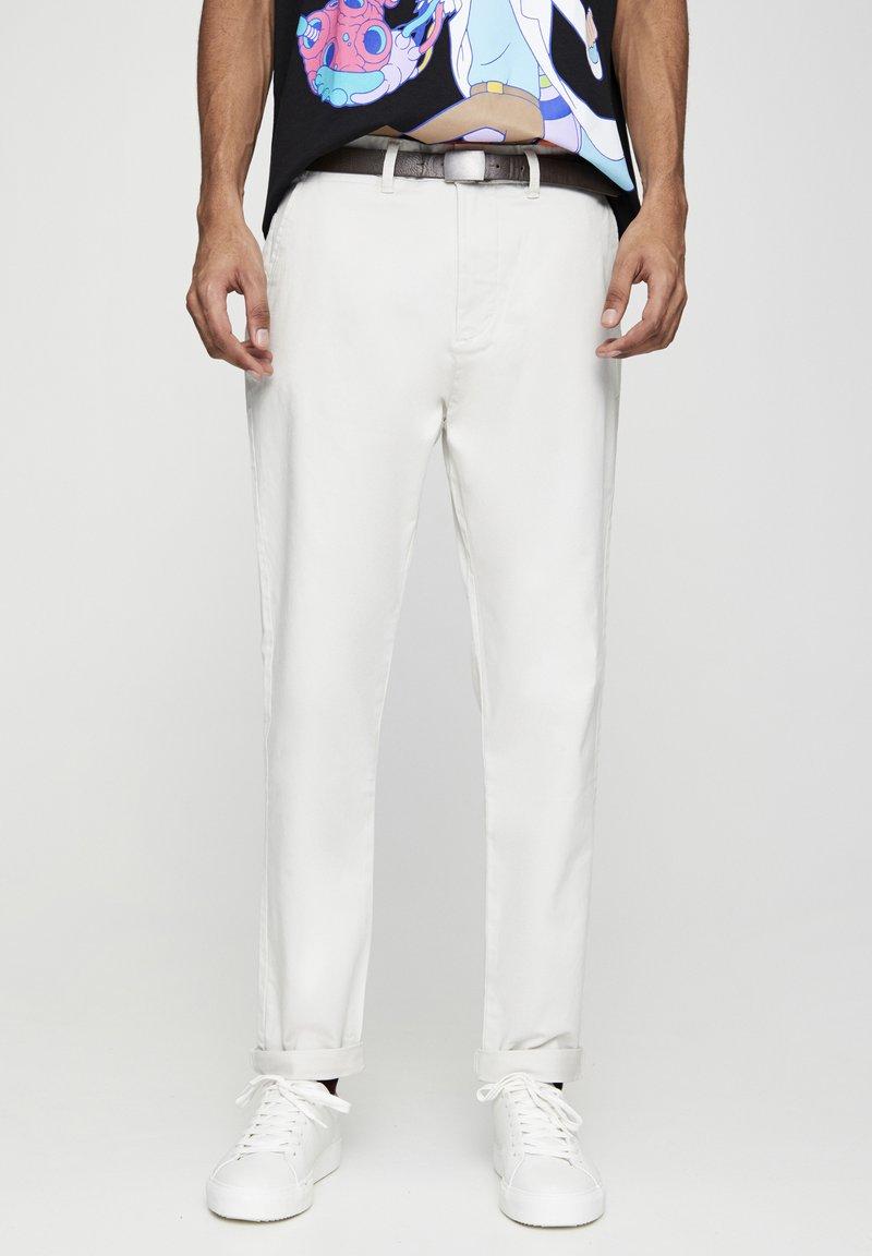 PULL&BEAR - Chino kalhoty - white