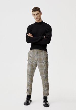 MIT KAROPRINT - Kalhoty - brown