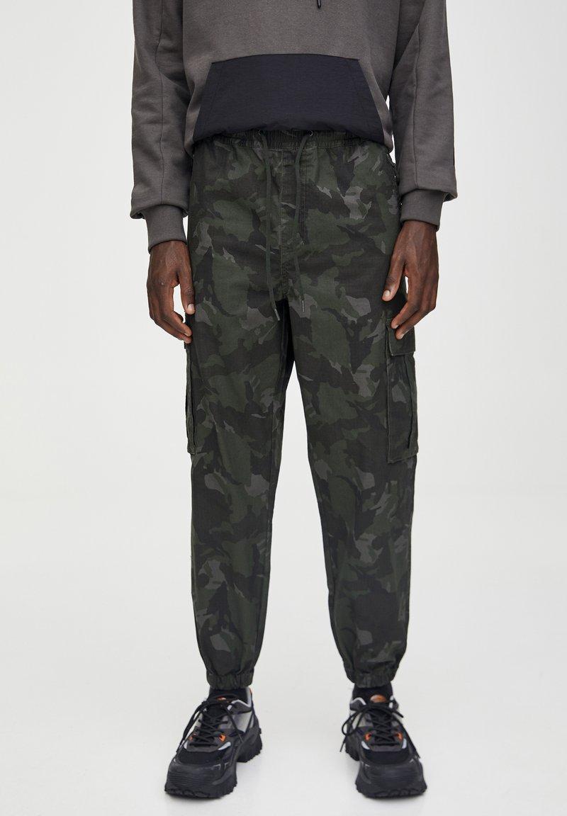 PULL&BEAR Pantalon cargo - evergreen - ZALANDO.FR