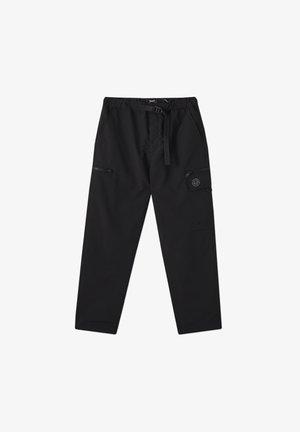 SCHWARZE CARGOHOSE AUS NYLON 05670511 - Pantalon cargo - black