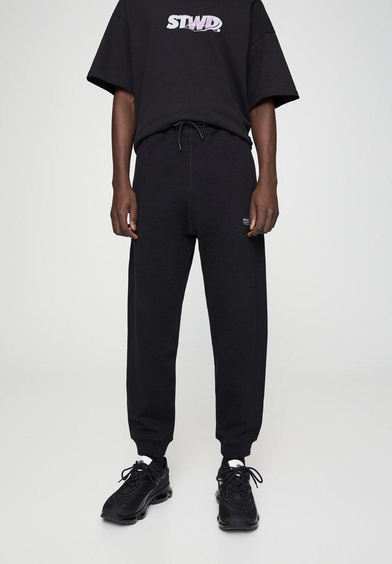 PULL&BEAR - BASIC - Spodnie treningowe - black
