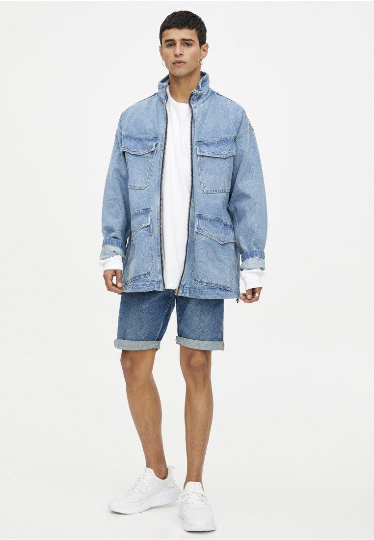 PULL&BEAR - BERMUDA - Jeans Shorts - stone blue denim