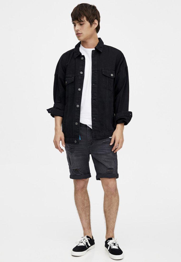 PULL&BEAR - Denim shorts - black