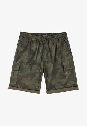 MIT CAMOUFLAGE - Shorts - dark green