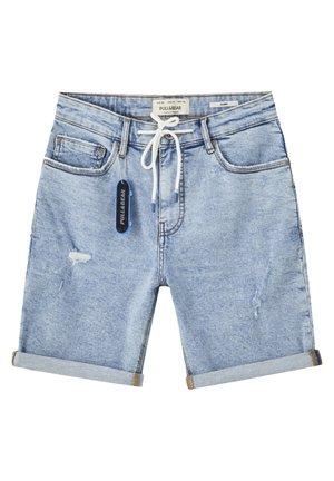 MIT ZIERRISSEN UND KORDEL - Short en jean - blue denim
