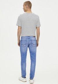 PULL&BEAR - Jeansy Slim Fit - blue - 2