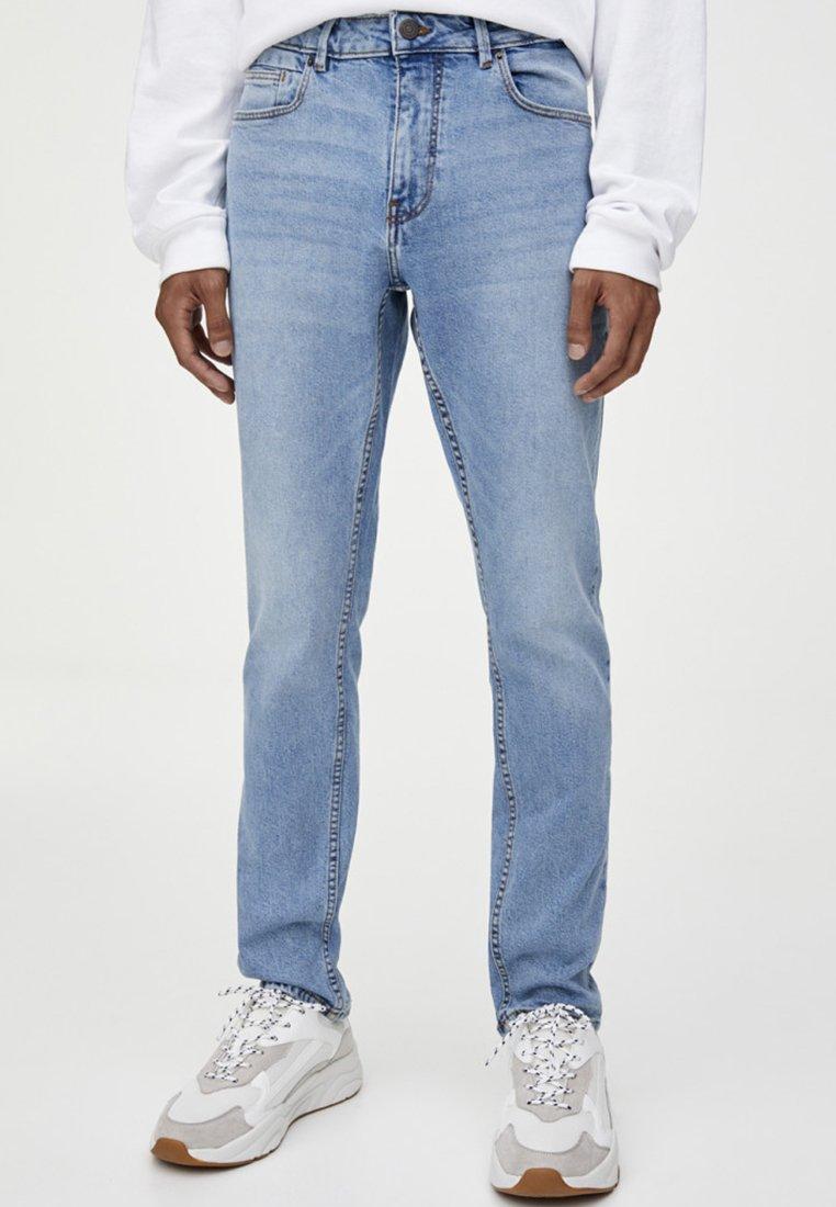 PULL&BEAR - Slim fit jeans - light blue