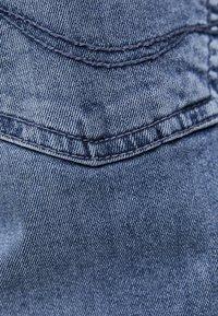 PULL&BEAR - IM USED-LOOK - Džíny Straight Fit - blue denim - 4