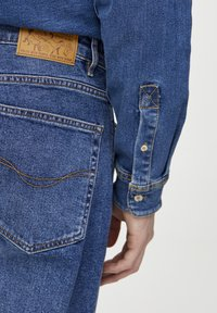 PULL&BEAR - IM REGULAR-COMFORT-FIT  - Jeans a sigaretta - blue denim - 4