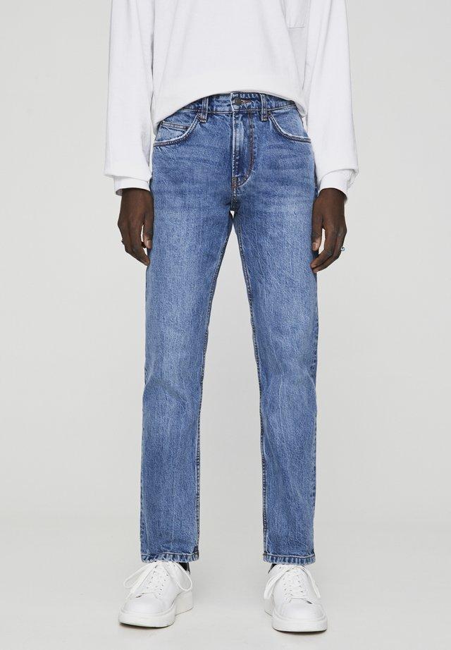 BEQUEME JEANS IM REGULAR-FIT IN BLAU 05682504 - Jeans Relaxed Fit - dark-blue denim
