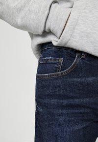 PULL&BEAR - DUNKELBLAUE SKINNY-JEANS 05682519 - Džíny Slim Fit - dark-blue denim - 4
