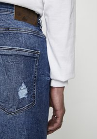 PULL&BEAR - Džíny Slim Fit - blue denim - 4