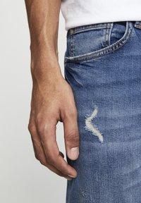 PULL&BEAR - Skinny džíny - mottled dark blue - 5
