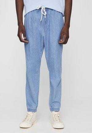 MIT STRETCHBUND  - Zúžené džíny - light blue