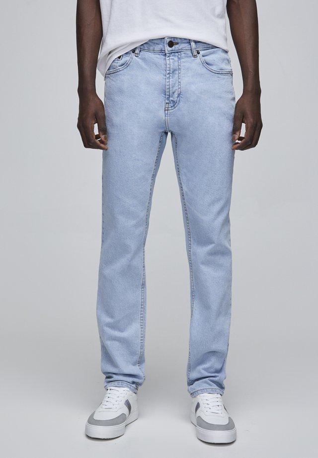 Jeansy Straight Leg - mottled light blue