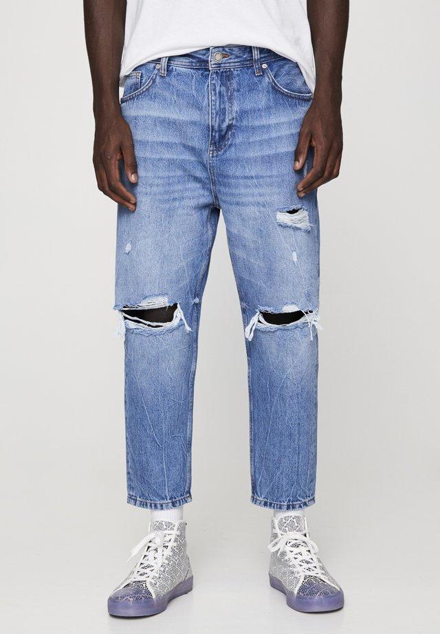 MIT ZIERRISSEN UND GÜRTELSCHLAUFEN - Jeans a sigaretta - dark blue