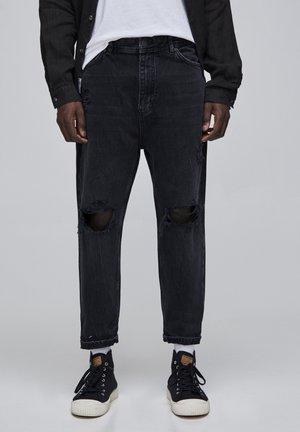 MIT ZIERRISSEN UND GÜRTELSCHLAUFEN - Straight leg jeans - black