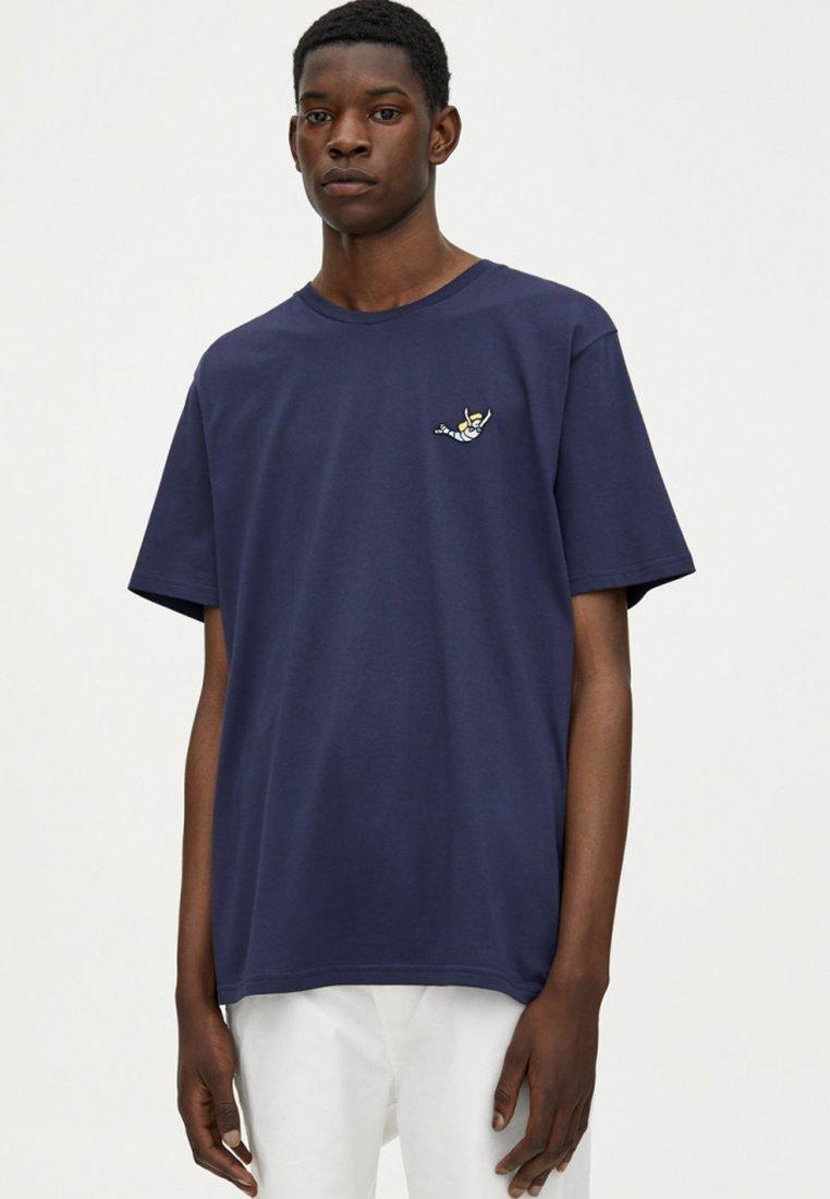 PULL&BEAR - MIT SLOGAN - Print T-shirt - dark blue