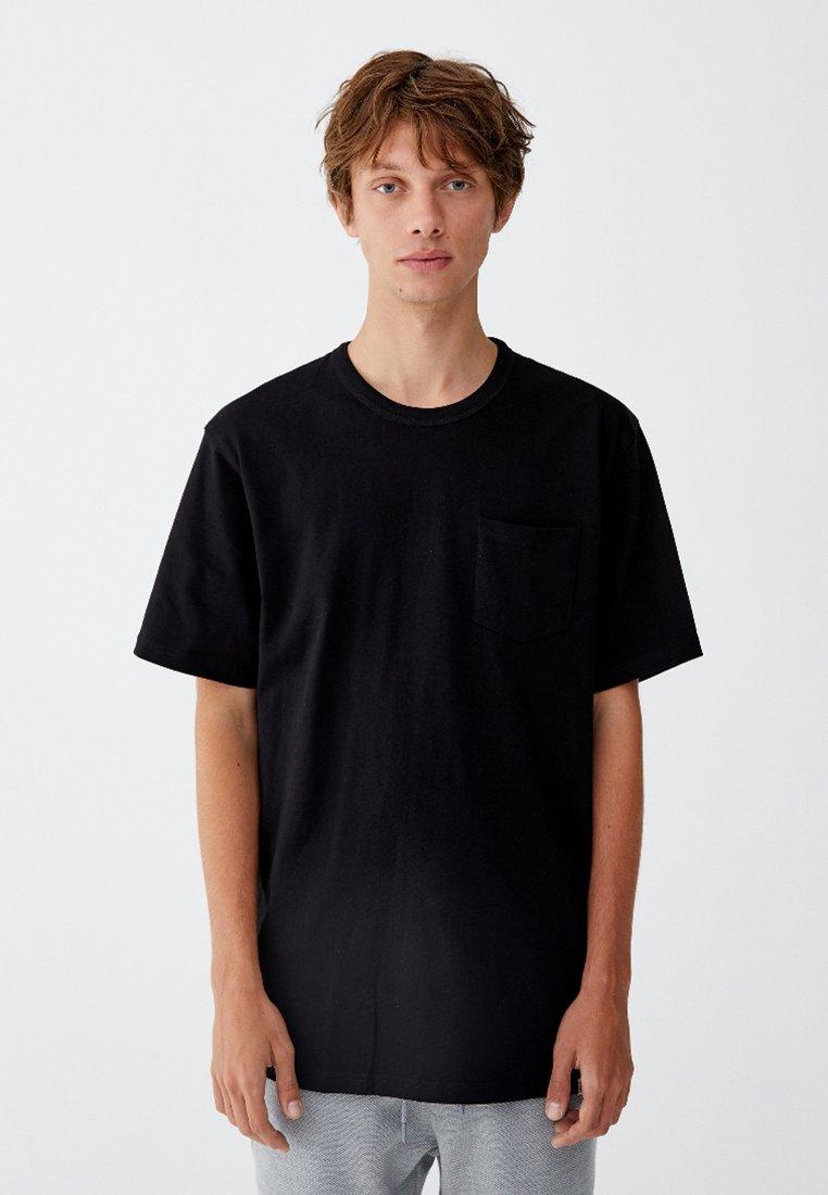 PULL&BEAR - MIT BRUSTTASCHE - T-shirt - bas - black