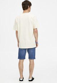 PULL&BEAR - T-shirt print - yellow - 2
